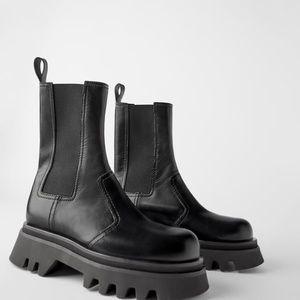 NWT✨Zara Leather Lug Sole Ankle Boots